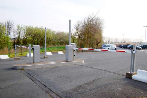 Alphatronics Privaat Parkeersysteem Met Slagbomen Aan Vakantiecentrum