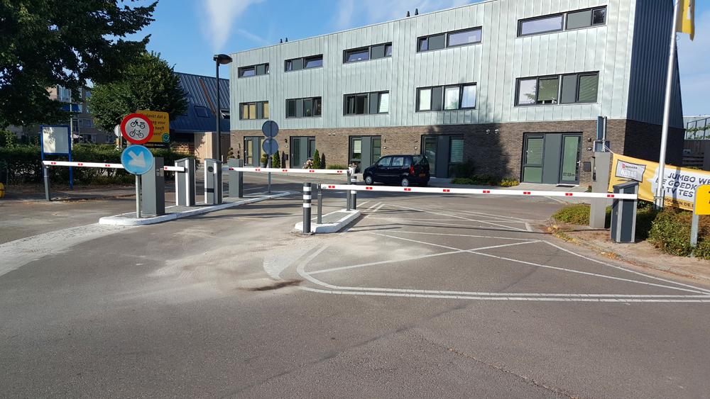 LR-Parking-Emmen-10