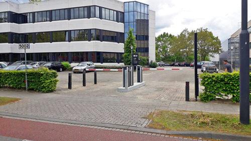 Slagbomen Aan Kantorencomplex