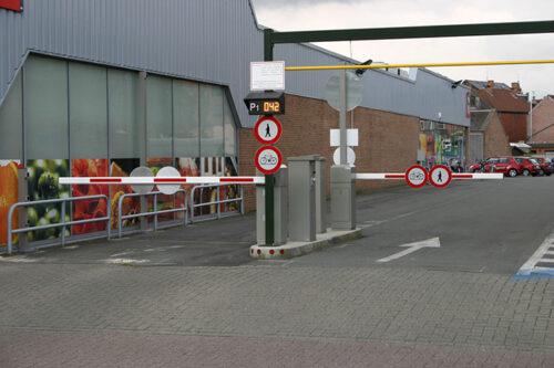 Parkeeroplossing Met Telling Van De Voertuigen
